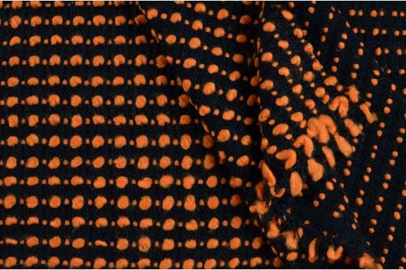 Tricot noir bouclé orange