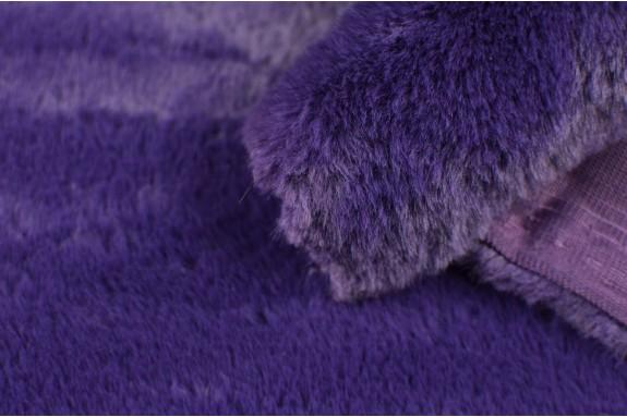Fausse fourrure violette